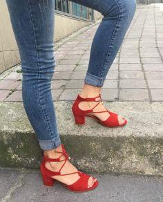 Çapraz Bağlamalı Kırmızı Renk Topuklu Sandalet  WhatsApp Bilgi & Sipariş : 0 (541) 2244 541  www.shoemodam.com