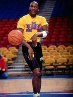 Basketball Motivation, I Love Basketball, Michael Jordan Basketball, Basketball Pictures, Nba Players, Basketball Players, Chicago Bulls, Mike Jordan, Jordan Spike
