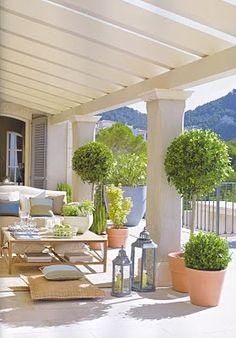 Pergola on the veranda Outdoor Rooms, Outdoor Gardens, Outdoor Living, Outdoor Decor, Ideas Hogar, Deck With Pergola, Outside Living, Back Patio, Small Patio