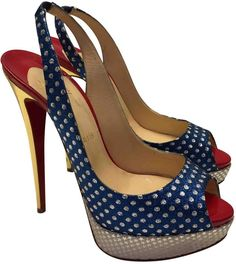 22a94fee732 Buy second-hand CHRISTIAN LOUBOUTIN heels for Women on Vestiaire Collective.