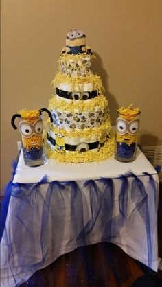 Minion center piece and diaper cake Baby Cakes, Diaper Cakes, Minion Baby, Hamper Ideas, Diy Wedding, Wedding Ideas, Baby Hamper, Cake Business, Baby On The Way