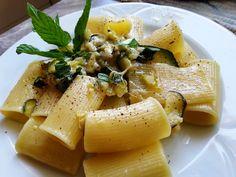 Pasta con calabacin y mozarella