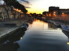 Einen Abendspaziergang in Viareggio , Toscana