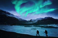 Lass dich von Island verzaubern! Island - die Vulkaninsel am beinahe nördlichsten Punkt der Erde ist bekannt für ihre vielfältige, atemberaubende Natur und gilt als Heimat der berühmten Polarlicht