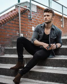 Stylish Boots For Men, Stylish Mens Outfits, Casual Outfits, Men Casual, Hipster Outfits, Black Outfit Men, Black Jeans Men, Formal Men Outfit, Men Formal