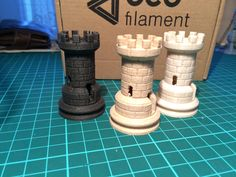 eco3D filament  zleva Ebony, Oak, Plaster
