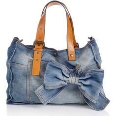 """Képtalálat a következőre: """"denim bag""""Designer Clothes, Shoes & Bags for Women Diy Jeans, Jeans Denim, Denim Handbags, Quilted Handbags, Mochila Jeans, Handbags Online Shopping, Denim Purse, Denim Ideas, Creation Couture"""