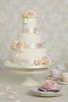 Peggy Porschen Wedding Cake.