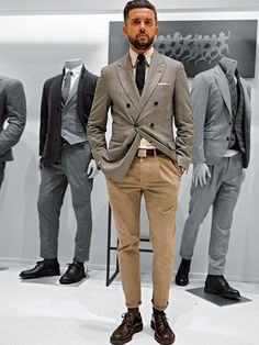 30 Stylish Fall Outfits for Men - Fasneshion Gq Style, Style Casual, Mens Fashion Suits, Mens Suits, Style Costume Homme, Mode Costume, Herren Outfit, Tailored Jacket, Men Street