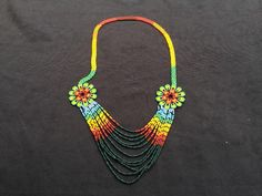 Colombia indígenas tribales de cuentas collares Beaded Necklace Patterns, Beaded Jewelry, Crochet Necklace, Beaded Bracelets, Collar Redondo, Beaded Collar, Loom Beading, Beaded Flowers, Pearl Bracelet