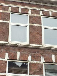 Very poor facade