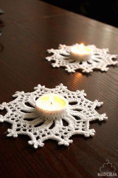 Ręcznie robione szydełkowe ozdoby to świetny sposób na ozdobę naszych świątecznych stołów.