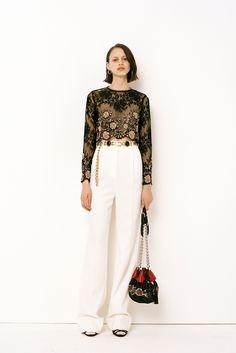 Alessandra Rich Parigi - Collections Fall Winter - Shows - Vogue. Runway Fashion, High Fashion, Fashion Show, Paris Fashion, Women's Fashion, Fashion Details, Fashion Design, Passion For Fashion, Ready To Wear