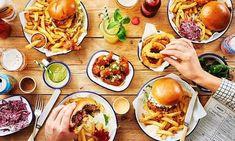 Honest Burgers Food Photography — Scott Grummett: Food image ideas from Food Ideas Brunch Menu, Brunch Recipes, Wedding Food Menu, Chicken Wing Sauces, Spaghetti, Burger Restaurant, Sauce Tomate, Man Food, Best Dishes