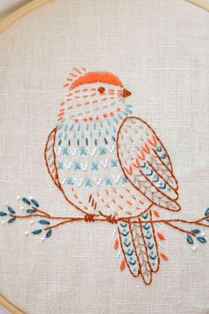 Paper Embroidery Patterns Bird hand embroidery pattern PDF pages) Embroidery Stitches Tutorial, Simple Embroidery, Embroidery Patterns Free, Learn Embroidery, Embroidery Hoop Art, Crewel Embroidery, Hand Embroidery Designs, Vintage Embroidery, Embroidery Techniques