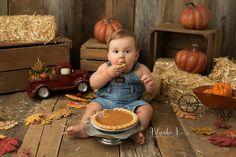 15 Cake Smash Alternatives for Baby's First Birthday - Christmas cookie smash!
