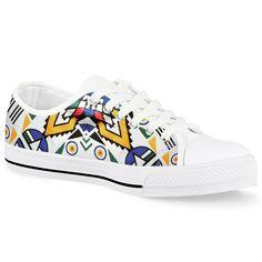 Moetlo Ndebele Fabric High Top Shoe - R999 . . . . #ndebele #africa#shweshwe #africanprints #zulu #traditionalwea#tsonga #tswana #mzansiprints  #ndebelegirl#africa,#african#africanprint#fashion#africanprintfashion#ndebeleart#ndebeleculture#Ndebeleweddingirl #ndebeleprincess Dashiki Fabric, Zulu, Painted Shoes, Blue Fabric, Top Shoes, Contemporary Fashion, Red And Blue, Jr, High Tops