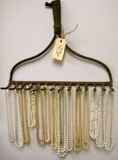 Big Ideas and a Little Inspiration: necklace hanger