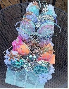 Fashion, wallpapers, quotes, celebrities and more beautiful bras Music Festival Outfits, Festival Wear, Festival Fashion, Mermaid Bra, Mermaid Tails, Festival Looks, Diy Fashion, Ideias Fashion, Dance Costumes