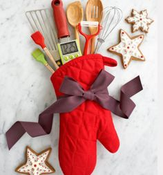 Stuck on what to get the cook of the house for Christmas? We love this idea!