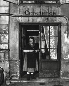 Robert Doisneau - Concierge with Spectacles