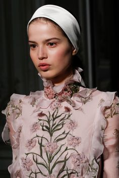 Giambattista Valli Spring 2017 Haute Couture details