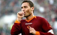 seri a: francesco totti addio alla roma? francesco totti sta decidendo per quanto riguarda il suo futuro. il capitano della roma ha dichiarato apertamente che vuole sapere se ci sara un futuro nella squadra della roma. nelle ultime partite  #francescototti #roma #calcio
