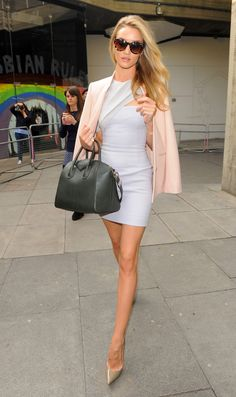 Rosie Huntington-Whiteley dons a formfitting pastel blue frock. Love it!