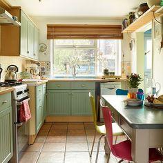https://flic.kr/p/xMPPgh | Green-traditional-kitchen