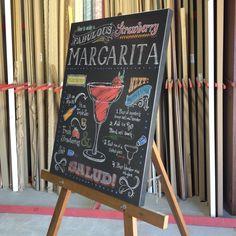Que tal um drink!? Quadro em canvas 80x60cm com borda preta | Crie seu quadro com essa imagem https://www.onthewall.com.br/margarita-de-morango-chalkboard