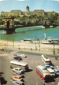 Old Pictures, Old Photos, Vintage Photos, Grand Budapest, Budapest Hungary, Beautiful Buildings, Historical Photos, 1960s, Arch