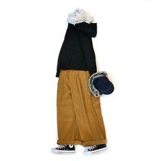 今朝はあまりの寒さに目が覚めてしまい思わずクローゼットから毛布を枚増やしてしまいました風邪には要注意シーズンみなさまも温かくしてくださいね  さて今日はニットと新作ワイドパンツの簡単コーデアウターを脱いだ後もあたたかくて動きやすいスタイリングが日常使いとしては理想的そんな時ニット素材のアイテムは保温力もあるしストレッチ性も高いのでお勧め  寒くなるとボトムのインナーにレギンスやタイツを忍ばせることも考えてワイドパンツは外せないところこちらはUNIVERSAL TISSUの新作でオールシーズン使いまわせます色がとても可愛らしくて暗いトーンになりがちな季節にもピッタリです