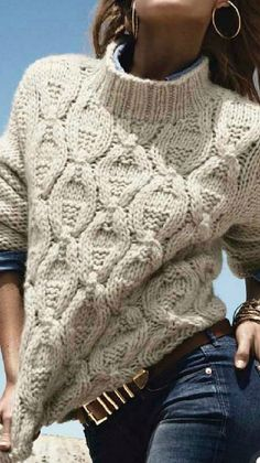 Knitting Patterns Sweaters The perfect outfit to wear for a weekend getaway in the mountains. Winter Sweaters, Cable Knit Sweaters, Women's Sweaters, Cardigan Outfits, Easy Knitting, Cardigans For Women, Women's Cardigans, Knitting Patterns, Casual Styles