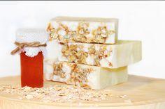 La fabrikabulles https://www.etsy.com/ca-fr/listing/250423070/savon-biologique-miel-avoine-et