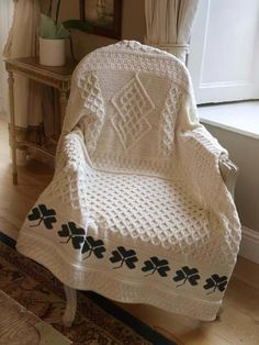 TRADITIONAL IRISH SHAMROCK BLANKET, 100% WOOL [3] - $106.95 : Irish Sweaters Aran Sweater, Irish Wool Sweaters