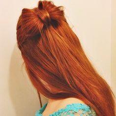 Super cute hairstyle for long hair!