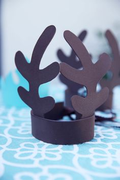 Pin for Later: Let It Snow! A Fabulous Frozen Fourth Birthday Party Foam Sven Antlers Because male guests might not want to wear the ice-queen crown. Elsa Birthday Party, Fourth Birthday, Disney Birthday, Birthday Party Themes, Girl Birthday, Frozen Halloween, Frozen Theme, Frozen Frozen, Ice Queen