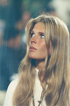 """Candice Bergen in """"Getting Straight"""" Candice Bergen, Girl Celebrities, Celebs, Perfect Blonde Hair, Katharine Ross, Diana Vreeland, Cinema, Classic Beauty, Famous Faces"""