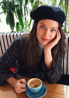 Sunday's are for mellow coffees and Brixton berets☕️ Emily Didonato, Angelina Danilova, Coffee Girl, Good Looking Women, Perfect People, Great Women, Elizabeth Olsen, True Beauty, Nice Tops