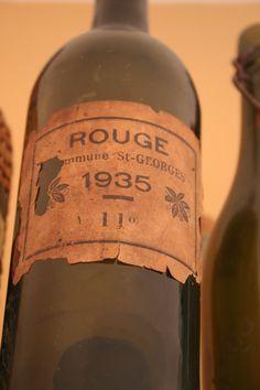 Oude fles wijn - Old wine bottle wine / vinho / vino - Bezoek de Wij Drinken Wijn community op Wijdrinkenwijn.nl of Facebook