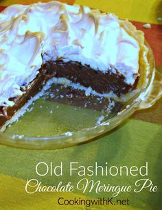 Old Fashioned Chocolate Meringue Pie, creamy rich chocolate filling adorned with fluffy meringue in a flakey crust, just like grandma use to make. pies Old Fashioned Chocolate Meringue Pie {Granny's Recipe} Old Fashioned Chocolate Pie, Homemade Chocolate Pie, Bakers Chocolate, Chocolate Pie Recipes, Chocolate Meringue, Chocolate Filling, Chocolate Covered, White Chocolate, Goodies