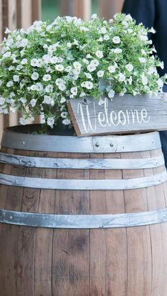 Welcome barnwood sign Barn Wood Crafts, Barn Wood Signs, Farm Barn, Diy Letters, Crafts To Do, Garden Ideas, Decorating Ideas, Outdoors, Rustic