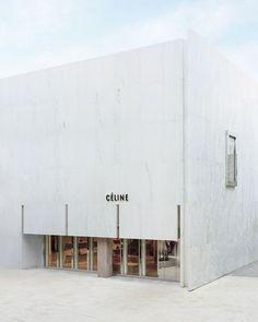 • THE_K 울산,상업공간의 얼굴 시선을 사로잡다! 파사드 디자인 : 네이버 블로그 Ulsan, Minimalist Architecture, Facade Architecture, Celine, Retail Facade, Retail Store Design, Retail Stores, Luxury Store, Retail Interior