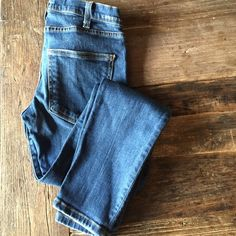 Current Elliott ankle skinny jeans Ankle crop skinnies by current Elliot. Low rise. Great condition Current/Elliott Jeans Ankle & Cropped
