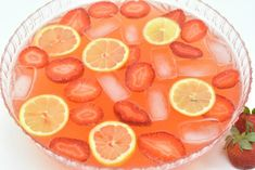 The perfect 'chilling on the patio' drink, this strawberry lemonade moscato punch recipe will make a cool, crisp pitcher full to enjoy with your friends! Moscato Punch, Moscato Wine, Strawberry Moscato, Strawberry Recipes, Cocktails, Cocktail Recipes, Drinks, Alcoholic Beverages, Wine Punch