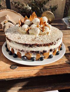 Kokos Karamell Heidelbeeren Torte Cake, Desserts, Food, Pies, Cakes, Caramel, Homemade, Pie Cake, Meal