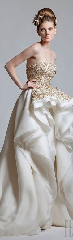 Krikor Jabotian never thought i'd like a full dress for my wedding, but i adore this.