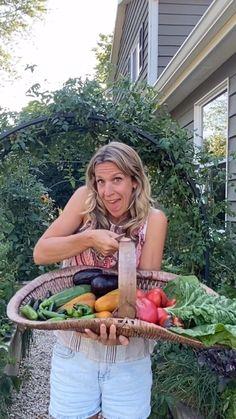 Garden Yard Ideas, Garden Projects, Farm Gardens, Outdoor Gardens, Garden Workshops, Future House, Vegetable Garden Design, Spring Sign, Simple Things