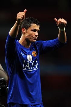 Get Nice Manchester United Wallpapers 2008 LONDON, ENGLAND - MAY Cristiano Ronaldo of Manchester United acknowledges the fans after victory in the UEFA Champions League Semi Final Second Leg match between Arsenal and Manchester United at Emirates Stadi Cristiano Ronaldo Manchester, Cristiano Jr, Cristiano Ronaldo Junior, Cristiano Ronaldo Wallpapers, Cristano Ronaldo, Ronaldo Soccer, Manchester City, Manchester United Football, Manchester England