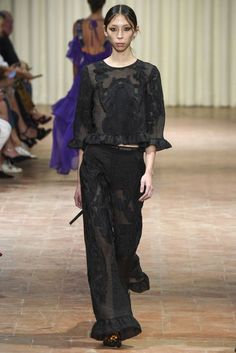 Alberta Ferretti Milan Spring/Summer 2017 Ready-To-Wear Collection | British Vogue